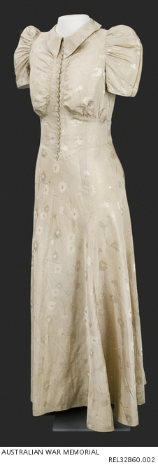 Wedding dress: Miss Isabel Margaret Platt-Hepworth REL32860.002.