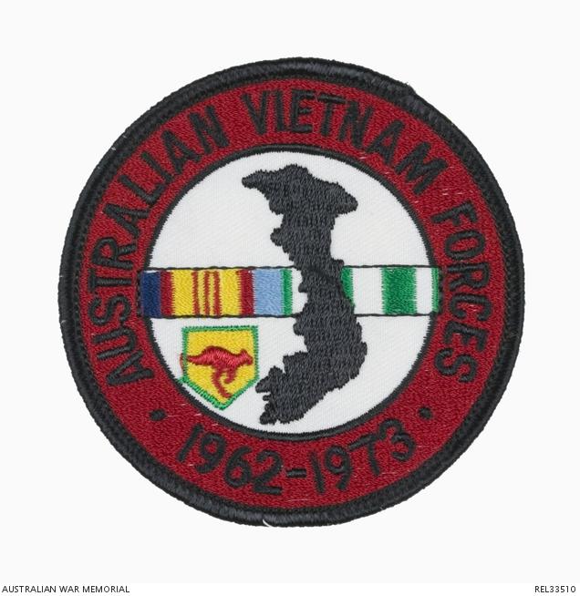Australian Vietnam Forces 1962 - 1973 cloth patch : D S