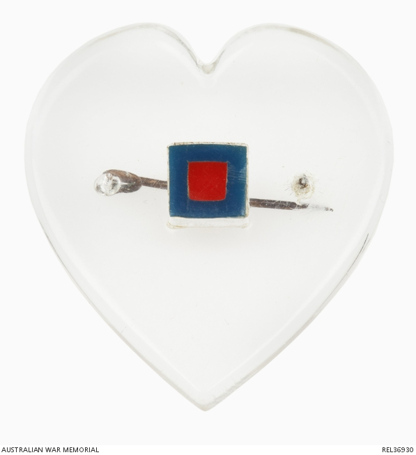 670a628991c75 This perspex and Tek art brooch was given to Greta Gerdtz by her husband