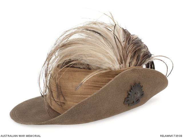 Slouch hats were first worn by the Victorian Mounted Rifles in 1885. It was  originally worn with the right side of the brim looped up to make it easier  for ... d8d50bc8d