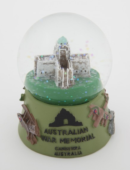 Snow globe mini: Australian War Memorial