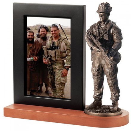 Photo frame: RAR soldier, current conflicts
