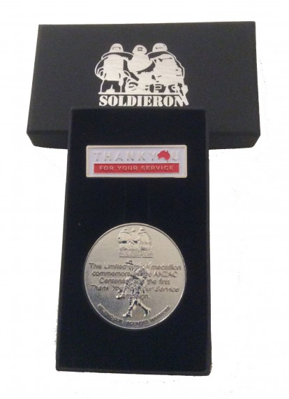 Commemorative set: Thank you for your service medallion and pin set