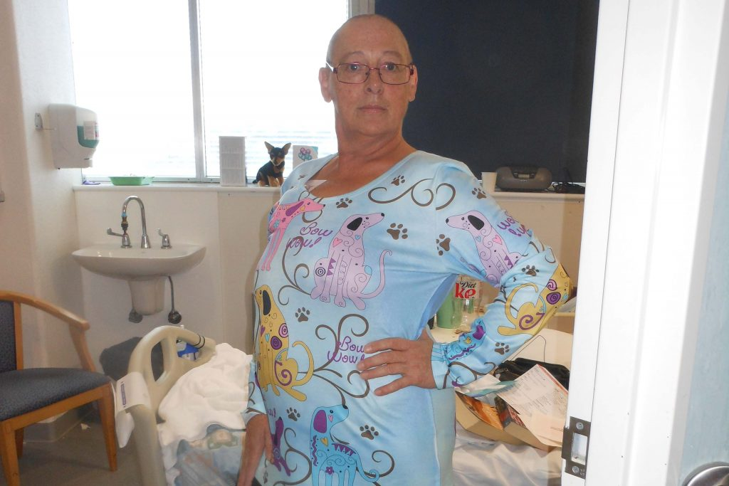 Tasmaninan mum Sally Catherall in hospital receiving treatment for cancer.
