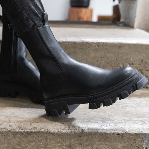 GRIT Chunky Cleated Boots
