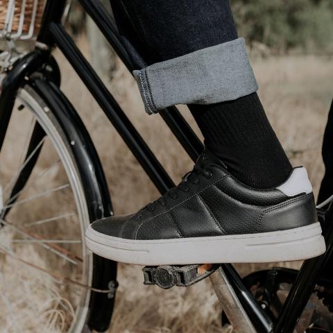 BEAR Vegan Comfort Sneakers