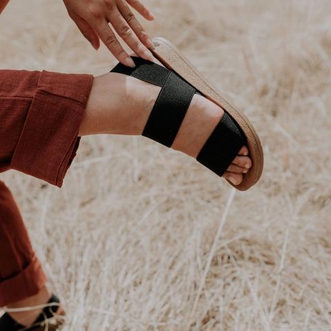 RISE Vegan Comfort Footbed Sandals