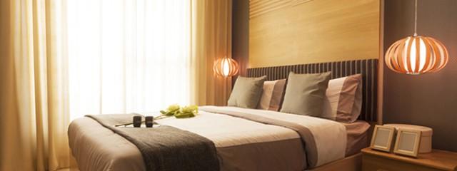 modern-hotel-bedroom