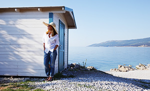 """<div style=""""font-weight:bold; line-height:22px; margin-bottom:10px;""""><a href="""" https://www.bmtqs.com.au/bmt-insider/should-you-invest-in-a-holiday-home-or-a-traditional-rental/ """">Should you invest in a holiday home or a traditional rental?</a></p>"""