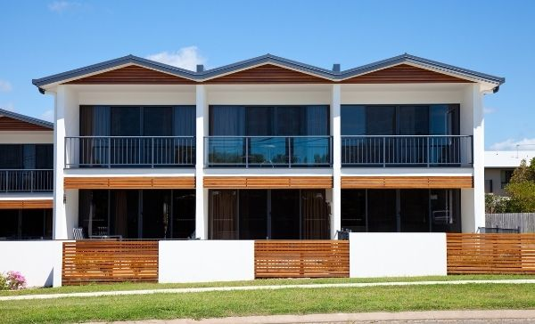 """<div style=""""font-weight:bold; line-height:22px; margin-bottom:10px;""""><a href="""" https://www.bmtqs.com.au/bmt-insider/is-a-townhouse-a-good-investment/""""> Find out if a townhouse is a good investment </a></p>"""