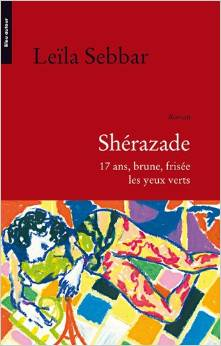 Sherazade, 17 and brune, frisee, les yeux verts