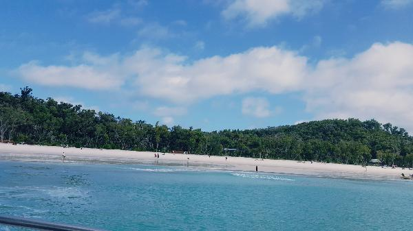 Whitehaven Beach and Island Day Tour incl  Lunch - ZigZag