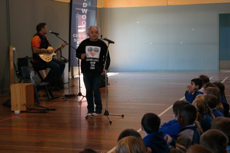 Performers entertaining the students during NAIDOC Week 2015