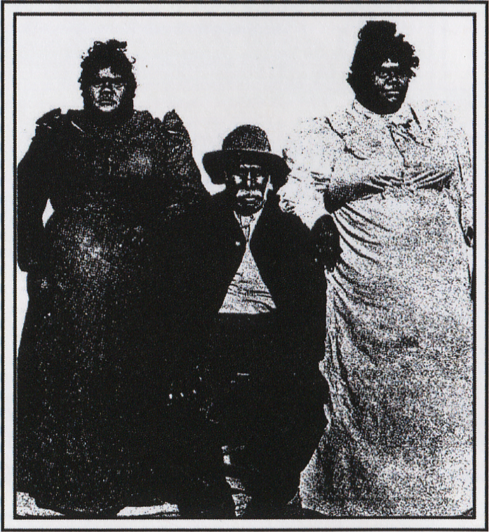 Nanya and two of his daughters at the Adelaide Exhibition.