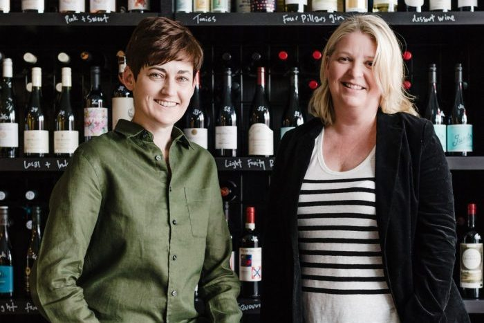 L: Virginia Selleck and, R: Kirsten Dickie of Magnum + Queens Wines tell us about how they successfully run their business together