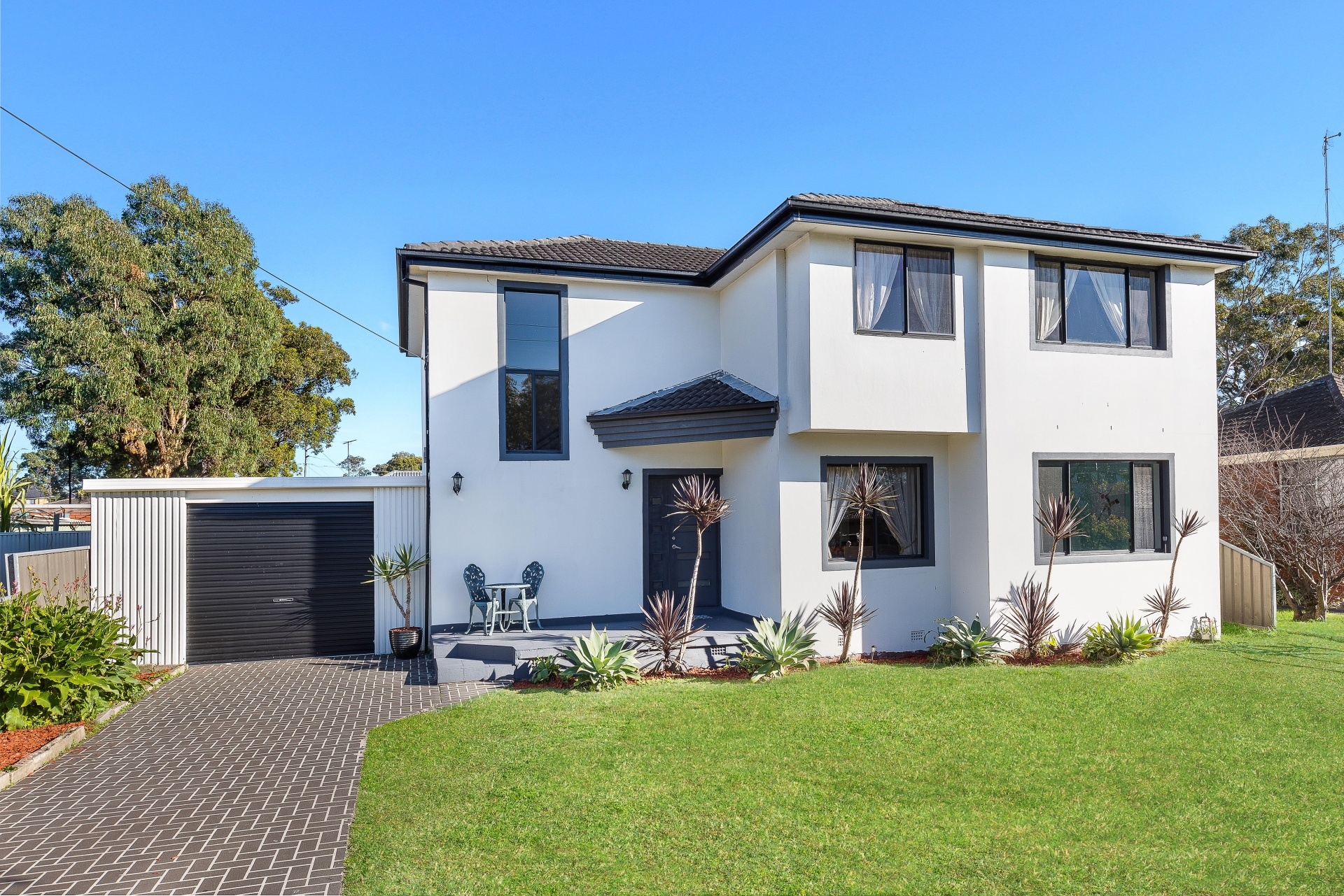 5 Bedroom Family Home!