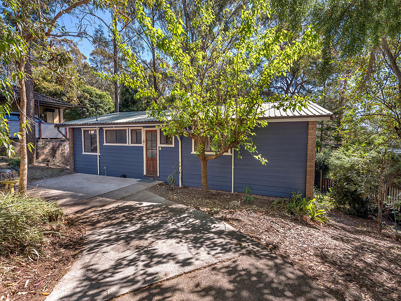 Under Offer - Peaceful Blue Mountains Semi-rural Location
