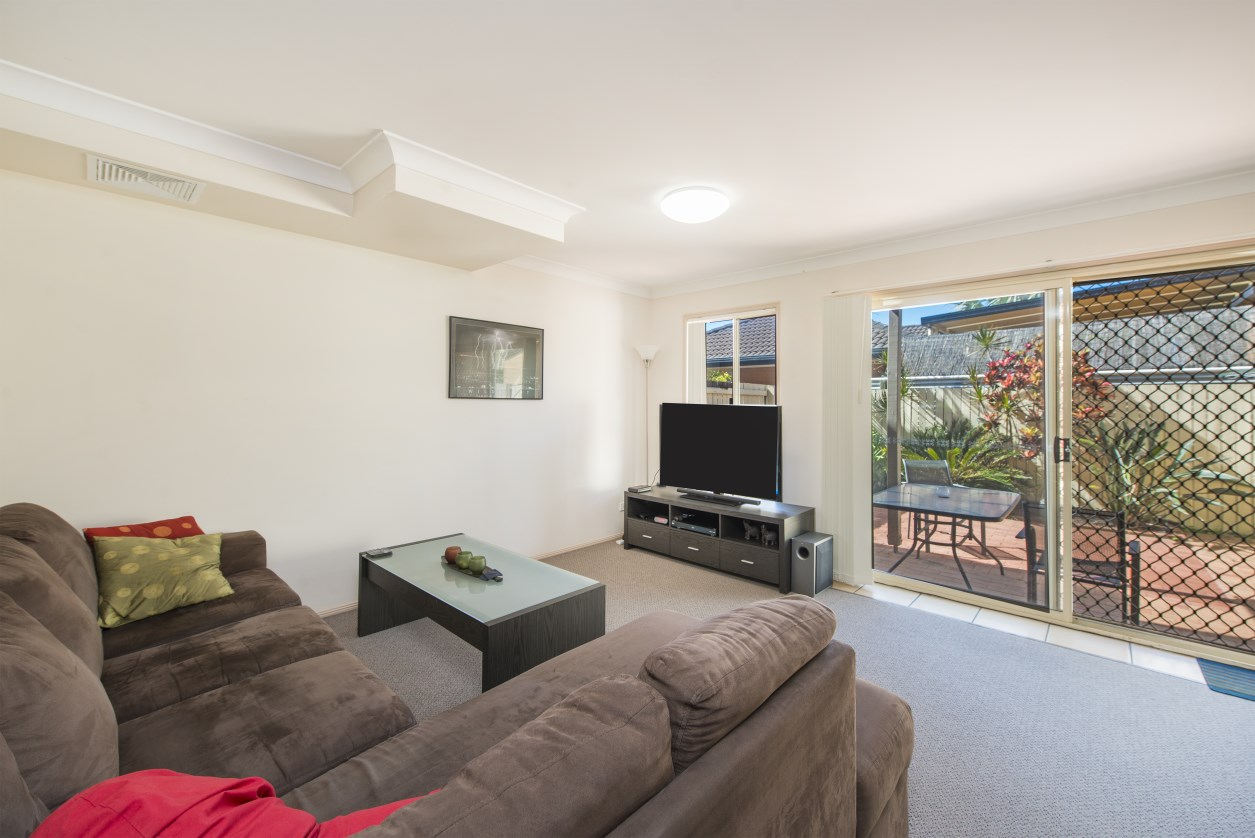 KINGSCLIFF CLASSIC - BUY, RENT, LIVE-IN!!!!