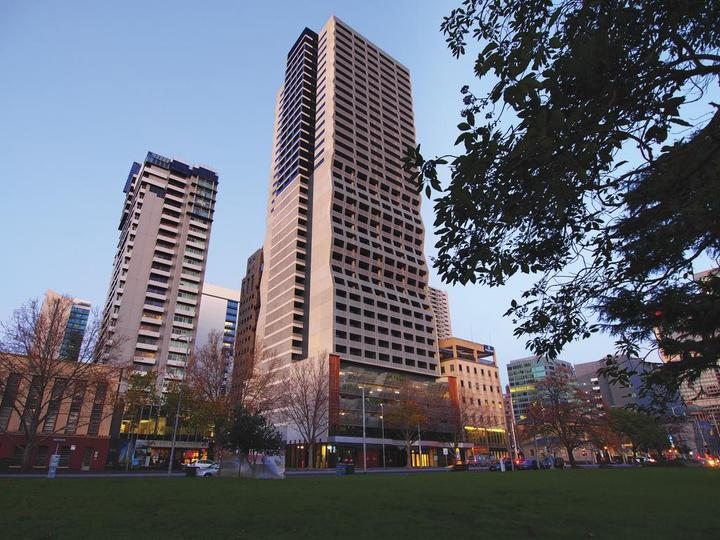 Oaks Melbourne on William Suites
