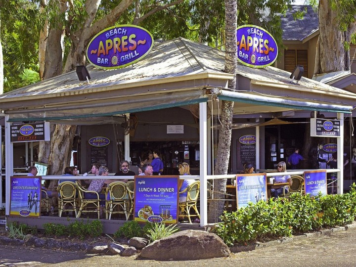 Apres Beach Bar And Grill Palm Cove