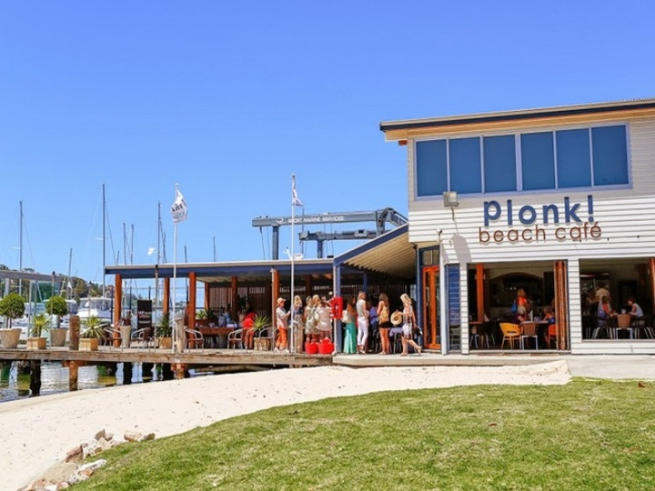 Plonk Beach Cafe Restaurant