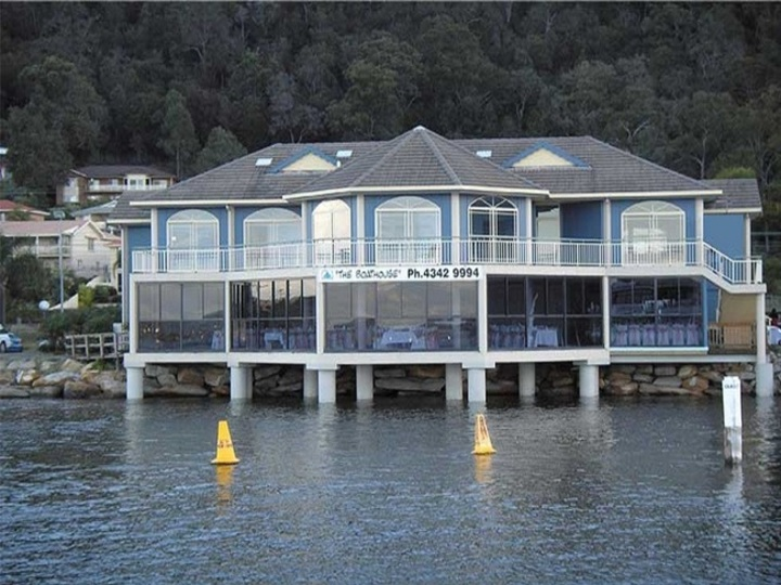 The Boathouse Waterfront Restaurant And Function Centre