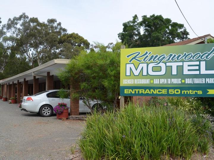 Kingswood Motel And Apartments
