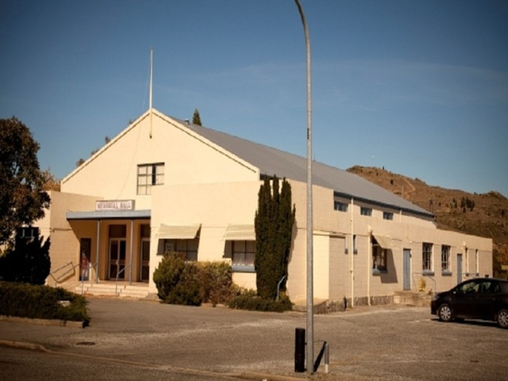 Cromwell Memorial Hall