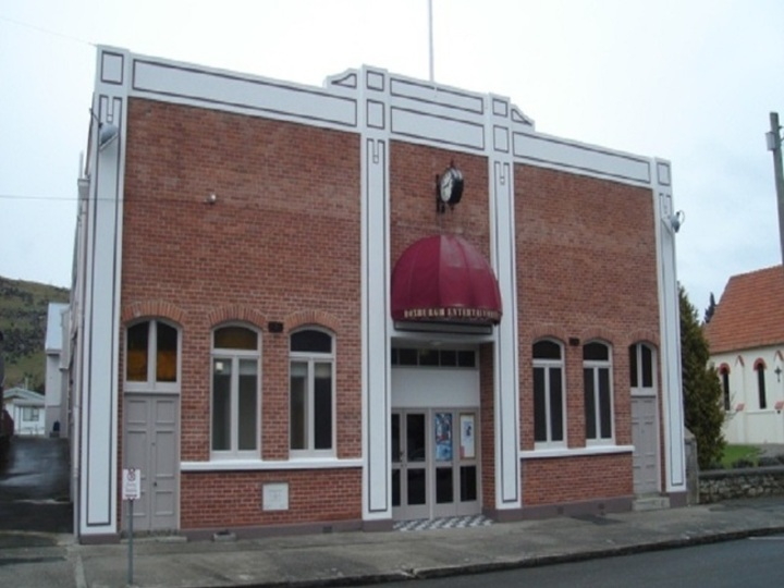 Roxburgh Memorial Hall