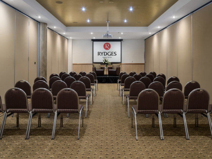 Rydges Mackay Suites