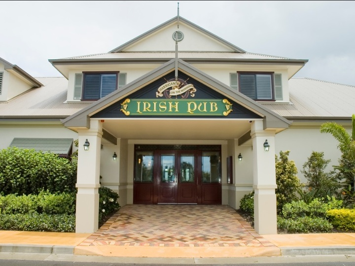 Harrigans Irish Pub and Harrington River Lodge