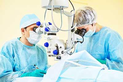 lasik surgeons at work