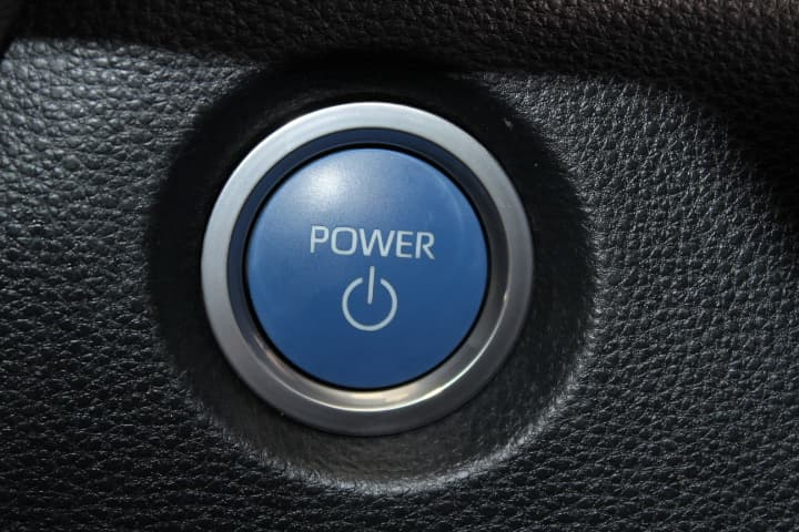 2018 Toyota Corolla Hybrid Auto - image 10
