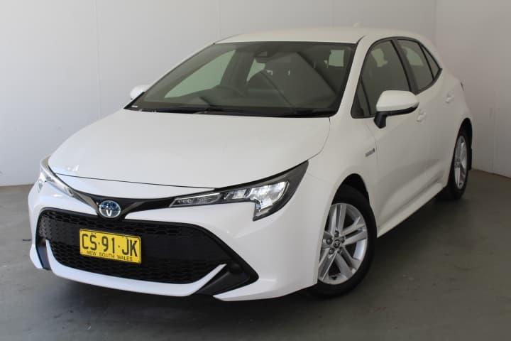 2018 Toyota Corolla Hybrid Auto - image 28