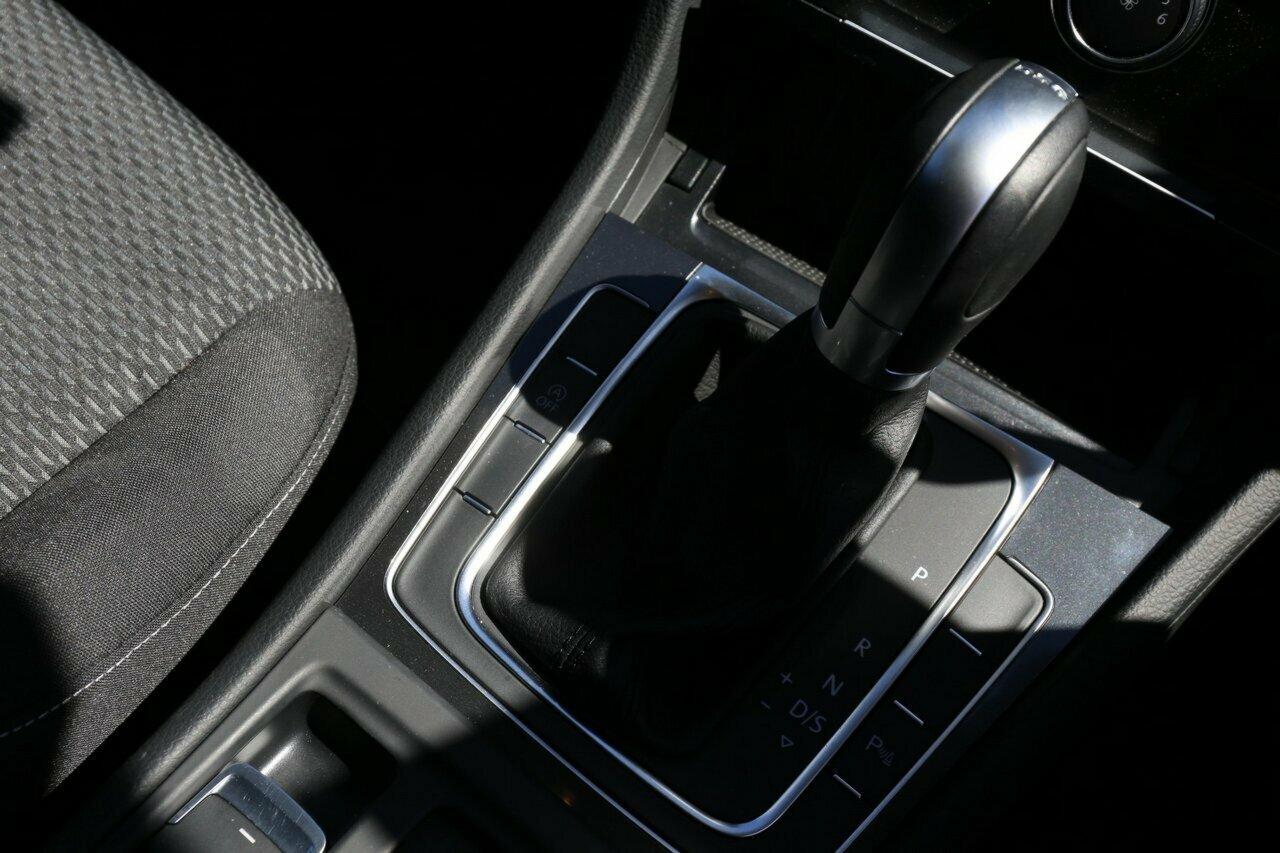 2018 Volkswagen Golf 110TSI 7.5 5-Door Wagon  - image 19
