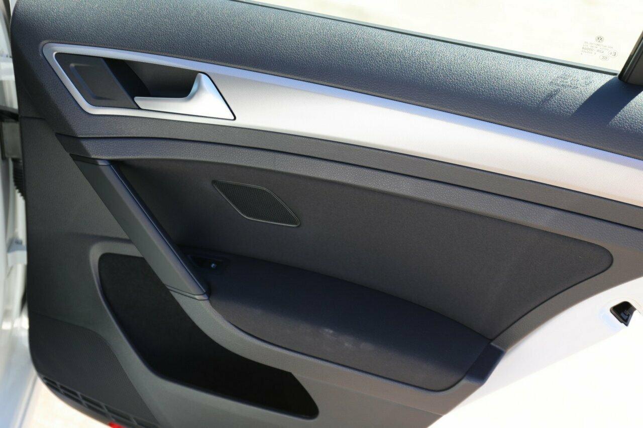 2018 Volkswagen Golf 110TSI 7.5 5-Door Wagon  - image 3