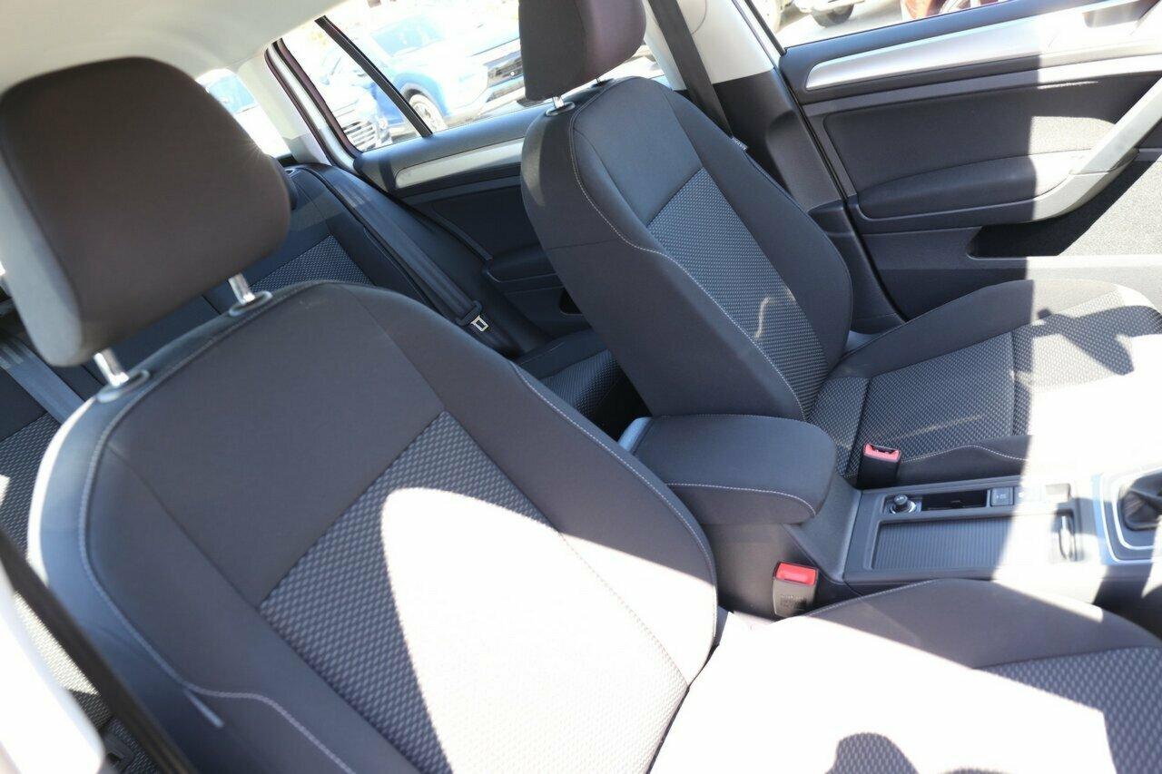 2018 Volkswagen Golf 110TSI 7.5 5-Door Wagon  - image 15