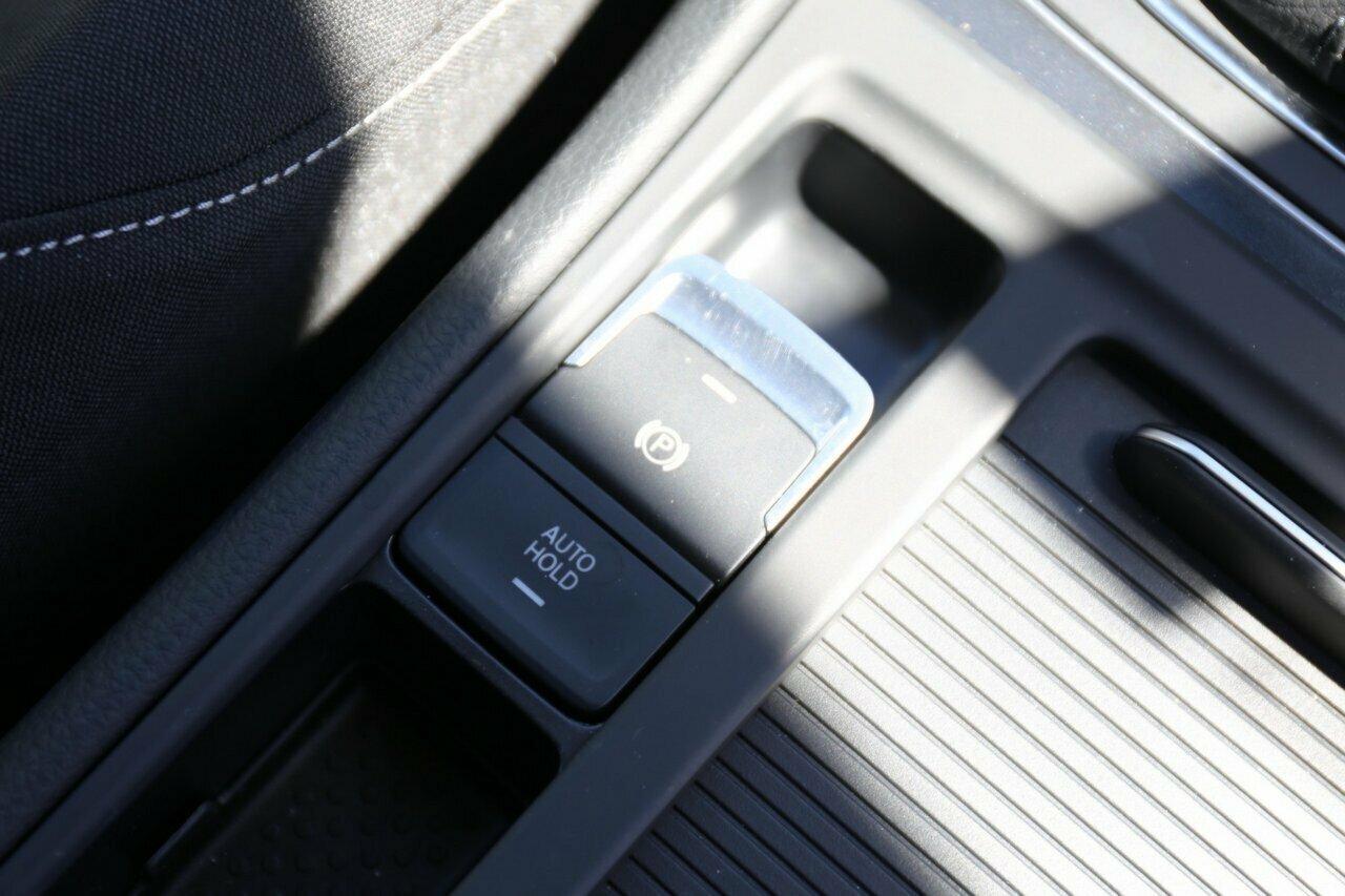 2018 Volkswagen Golf 110TSI 7.5 5-Door Wagon  - image 20