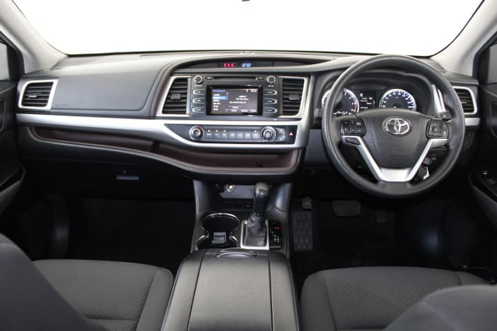 2017 Toyota Kluger GX Auto 2WD - image 4