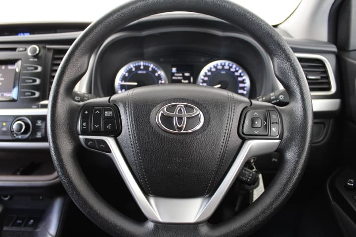 2017 Toyota Kluger GX Auto 2WD - image 24
