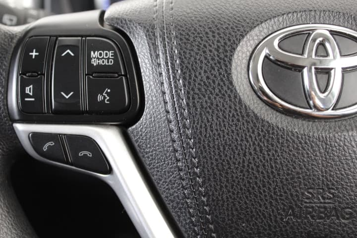 2017 Toyota Kluger GX Auto 2WD - image 25