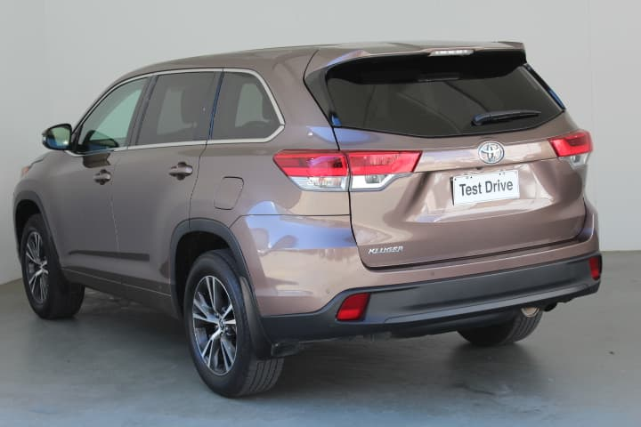 2017 Toyota Kluger GX Auto 2WD - image 2