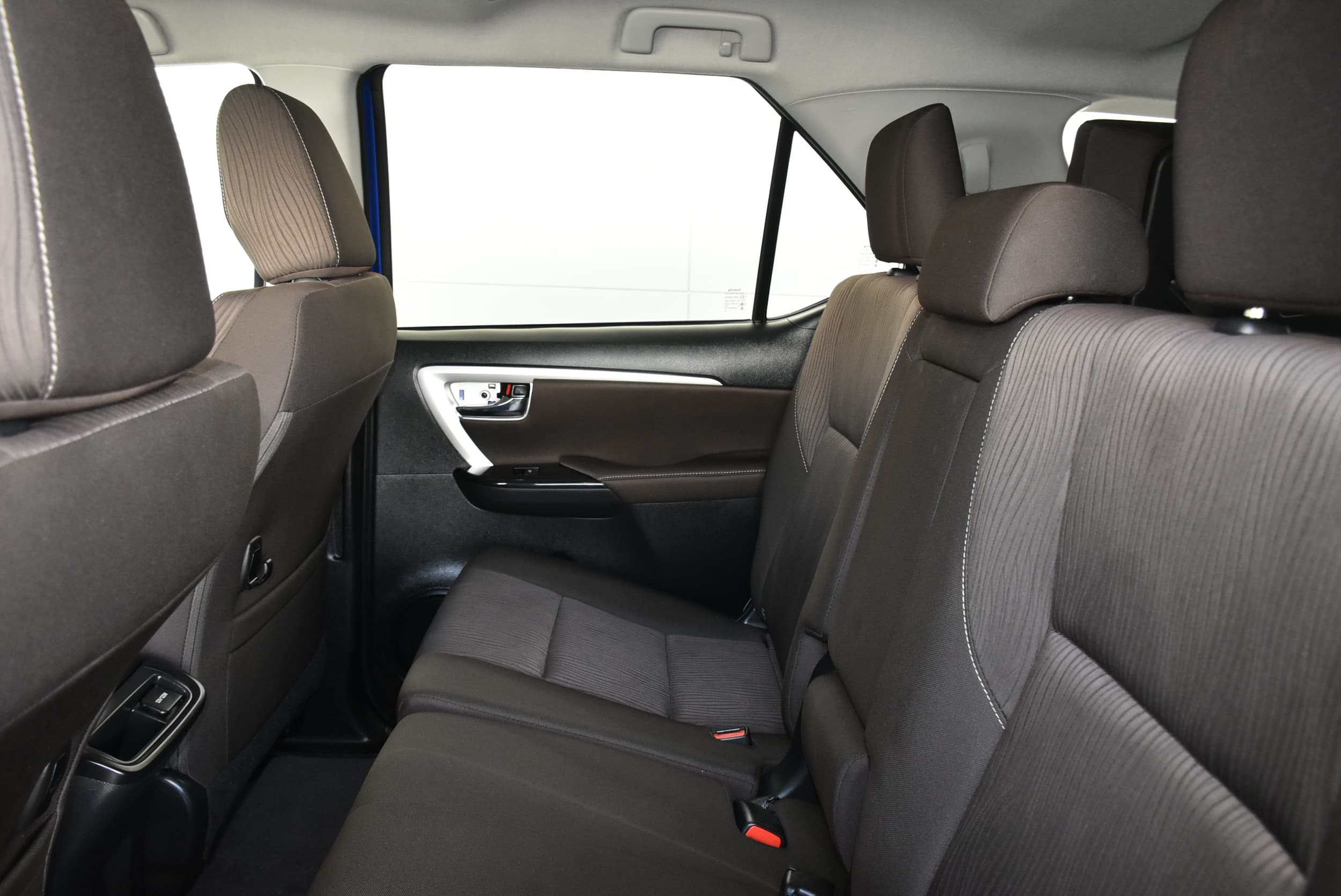 2019 Toyota Fortuner GXL Auto 4x4 - image 16