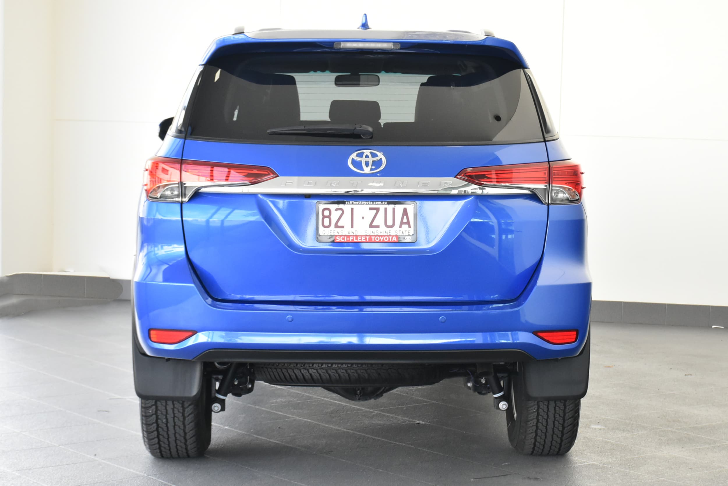 2019 Toyota Fortuner GXL Auto 4x4 - image 6