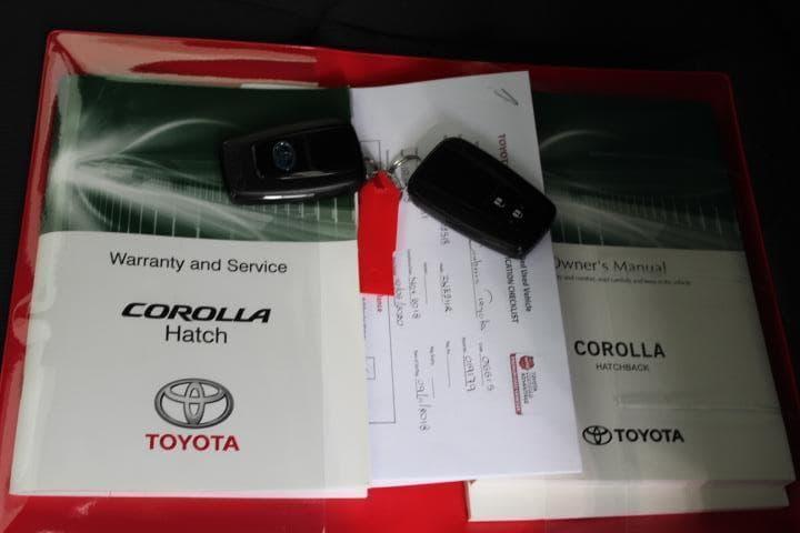 2018 Toyota Corolla Ascent Sport Hybrid Auto - image 4