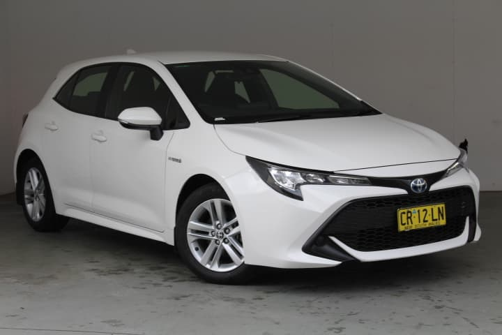 2018 Toyota Corolla Ascent Sport Hybrid Auto - image 1