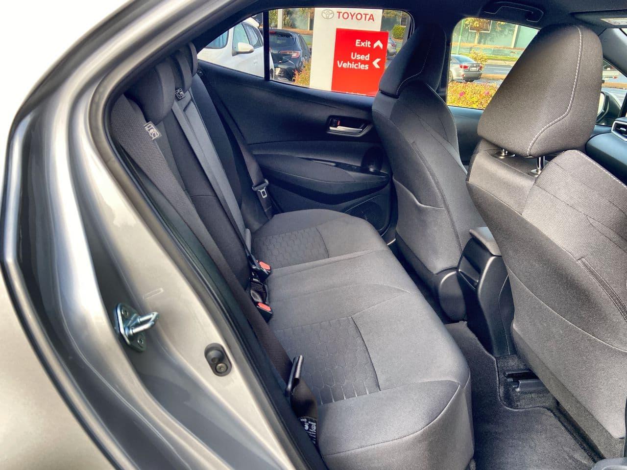 2018 Toyota Corolla SX Auto - image 17