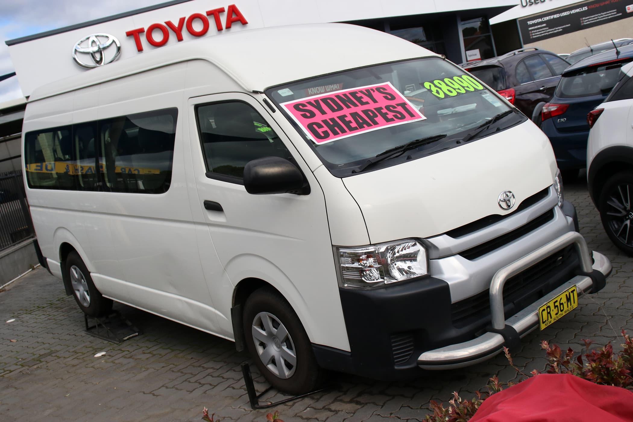 2016 Toyota Hiace Commuter Super LWB Auto - image 1