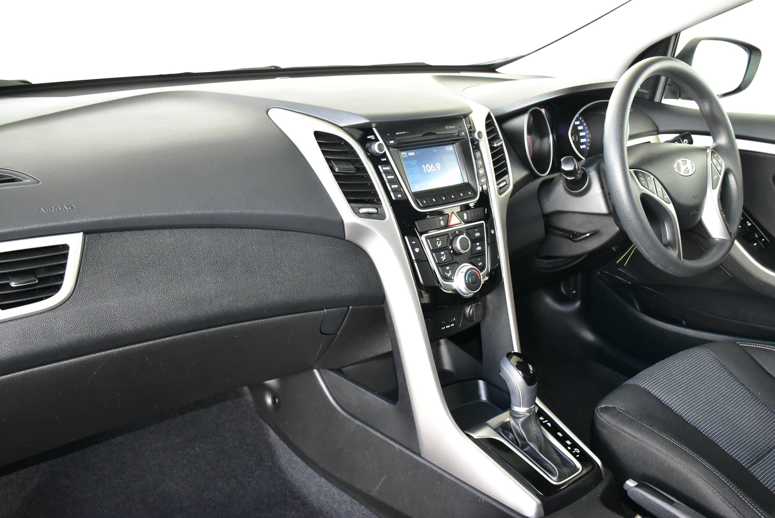 2014 Hyundai i30 Active Auto - image 15