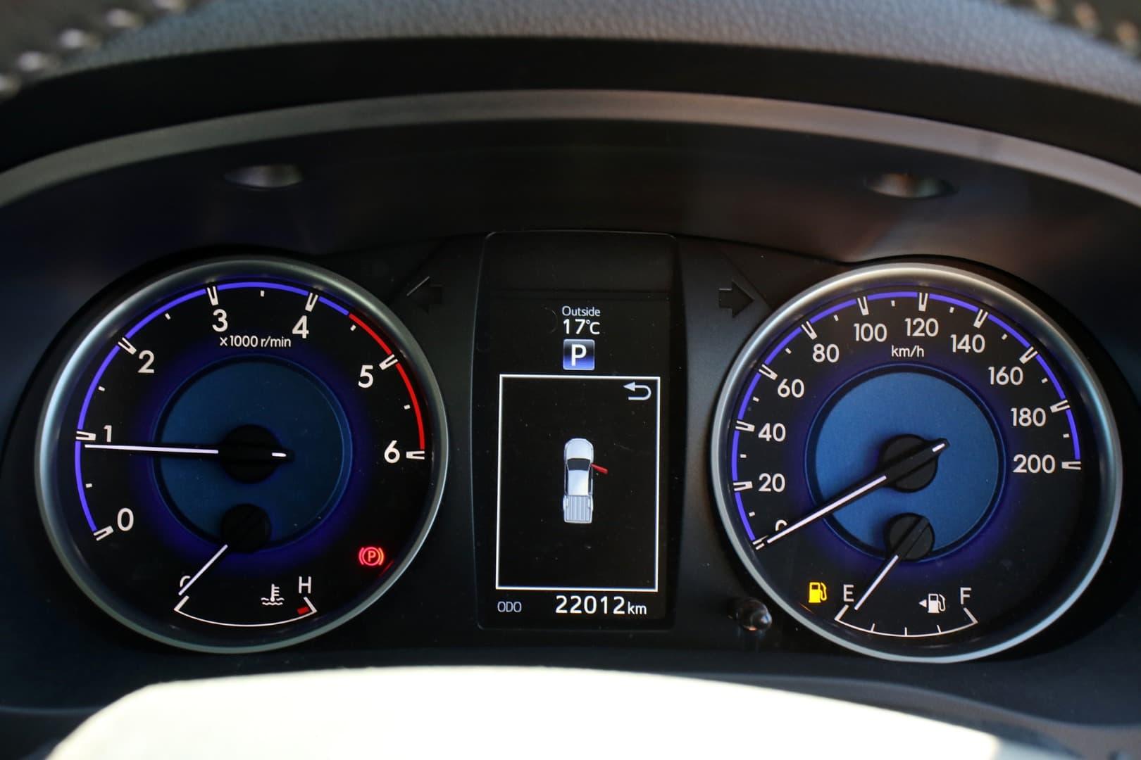 2019 Toyota Hilux SR5 Auto 4x4 Double Cab - image 16